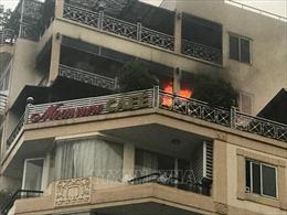 Hà Nội: Cháy khách sạn phố Hàng Than, cứu 26 du khách mắc kẹt