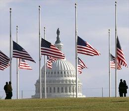 Tổng thống Trump lệnh treo cờ rủ 30 ngày tưởng nhớ cố Tổng thống Bush 'cha'