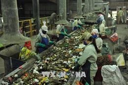 Quản lý và xử lý chất thải rắn - Bài cuối: Tháo gỡ những bất cập về chính sách, công nghệ và tài chính