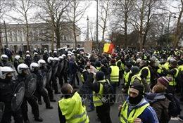 Phong trào biểu tình 'Áo vàng' lan sang Anh