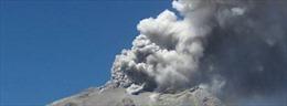 Chile ban bố cảnh báo vàng trước nguy cơ núi lửa Peteroa phun trào