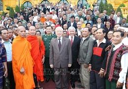 Tổng Bí thư, Chủ tịch nước Nguyễn Phú Trọng gặp mặt các già làng, trưởng bản tiêu biểu