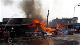 Cháy lớn tại xưởng gỗ ở thành phố Biên Hòa, Đồng Nai