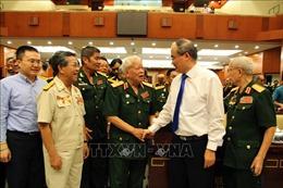 Lãnh đạo Thành phố Hồ Chí Minh gặp mặt cán bộ cao cấp Quân đội nghỉ hưu