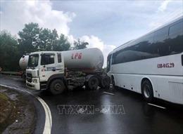 Lại xảy ra tai nạn trên đèo Hải Vân, Đà Nẵng