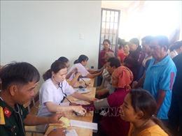 Khám, phát thuốc, tặng quà Tết cho hơn 1.000 lượt người dân vùng biên giới
