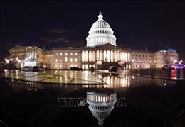 Quốc hội Mỹ thông qua dự luật ngân sách tạm thời