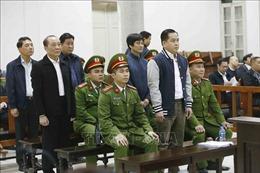 Vũ 'nhôm' và hai cựu tướng công an ra tòa