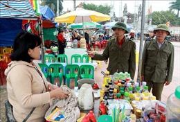 Thức ăn đường phố 'rình rập' mùa lễ hội