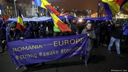 Hàng nghìn người Romania biểu tình phản đối sắc lệnh cải cách tư pháp