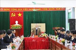 Thường trực Ban Bí thư Trần Quốc Vượng làm việc tại Hòa Bình