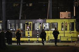 Cảnh sát lần theo manh mối nhỏ nhất vụ xả súng tại Hà Lan
