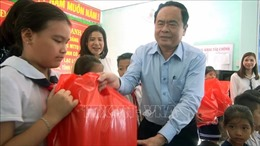 Chủ tịch Ủy ban Trung ương Mặt trận Tổ quốc Việt Nam Trần Thanh Mẫn làm việc tại Phú Yên