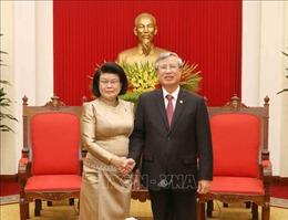 Thường trực Ban Bí thư Trần Quốc Vượng tiếp Phó Chủ tịch thứ hai Quốc hội Campuchia