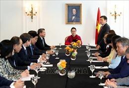Chủ tịch Quốc hội Nguyễn Thị Kim Ngân gặp Ban Chấp hành Liên hiệp các Hội người Việt tại châu Âu