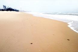 Hai thi thể trôi dạt vào bờ biển Hà Tĩnh đều là nữ giới