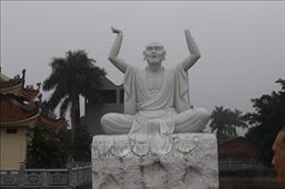 16 pho tượng La Hán bằng đá ngọc trắng nguyên khối bị đập phá