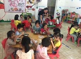 Kiểm soát thực phẩm bữa ăn học đường còn nhiều mối lo