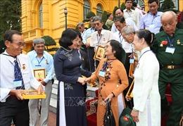 Phó Chủ tịch nước tiếp Đoàn đại biểu người có công tỉnh Tiền Giang