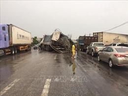 Tai nạn giao thông làm ách tắc giao thông trên quốc lộ 1A