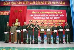 Thăm, tặng quà cựu bộ đội Trường Sơn tại Nghệ An