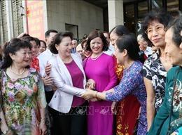 Chủ tịch Quốc hội Nguyễn Thị Kim Ngân gặp mặt cán bộ hưu trí và nhân dân ở quận Ba Đình, Hà Nội