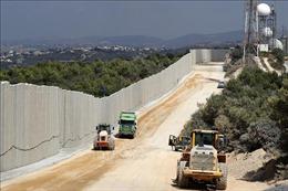 Israel tăng cường thiết bị giám sát tại bức tường biên giới với Liban