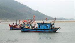 Hơn 40 tỷ đồng nạo vét cảng Cửa Sót, tàu thuyền vẫn mắc cạn