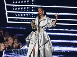 Sở hữu khối tài sản 600 triệu USD, Rihanna là nữ ca sĩ giàu nhất hành tinh