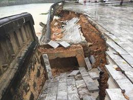 Sửa chữa khẩn cấp kè hồ Thành cổ Quảng Trị