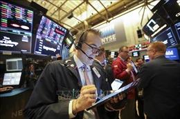 Các thị trường chứng khoán Âu, Mỹ đều đi xuống