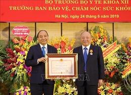 Thủ tướng Nguyễn Xuân Phúc trao Huân chương Độc lập hạng Nhất cho ông Nguyễn Quốc Triệu