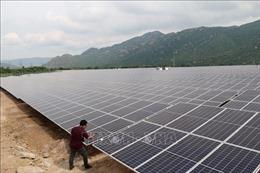 Thủ tướng yêu cầu xem xét sự phát triển 'thần tốc' của năng lượng tái tạo