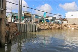 Sạt lở hàng trăm mét bờ sông, thiệt hại gần 13 tỷ đồng