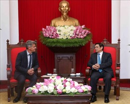 Trưởng Ban Tổ chức Trung ương Phạm Minh Chính tiếp Bí thư Toàn quốc Đảng Cộng sản Pháp