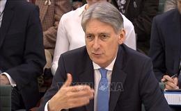 Bộ trưởng Tài chính Anh tuyên bố từ chức nếu ông Johnson trở thành Thủ tướng