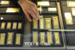 Giá vàng châu Á giảm xuống mức thấp trong 2 tuần