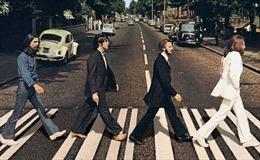 Kỷ niệm 50 năm ngày ra đời bức ảnh huyền thoại của ban nhạc The Beatles