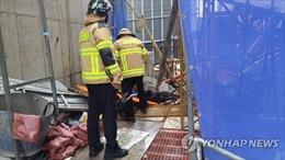 Thang máy bị rơi tự do từ tầng 15, ít nhất 6 người thương vong