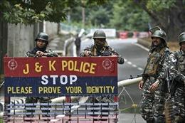 Ấn Độ tái áp đặt hạn chế đi lại tại khu vực Kashmir