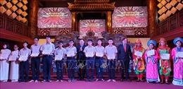 Trao học bổng Vallet cho 213 học sinh, sinh viên Thừa Thiên - Huế