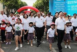 Phó Thủ tướng Trương Hòa Bình phát động cuộc vận động 'Đội mũ bảo hiểm cho trẻ em'
