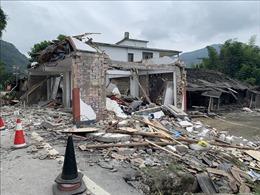 Động đất ở Trung Quốc, 30 người thương vong, hàng trăm ngôi nhà bị sập, hư hại