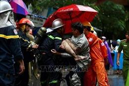 Cứu 3 người trong vụ cháy tại phố Núi Trúc, Hà Nội