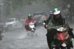Bắc Bộ mưa lớn, Trung Bộ tiếp tục nắng nóng