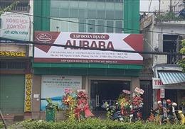 Tháo dỡ biển hiệu trái phép của Công ty cổ phần địa ốc Alibaba
