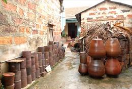 Tăng giá trị cho gốm Hương Canh