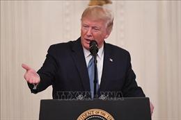 Tổng thống Trump kêu gọi công khai danh tính người tố giác ông
