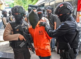 Indonesia bắt giữ 74 nghi can vụ đánh bom liều chết nhằm vào trụ sở cảnh sát