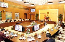 Thông qua Nghị quyết về sắp xếp các đơn vị hành chính cấp huyện, cấp xã của 8 tỉnh